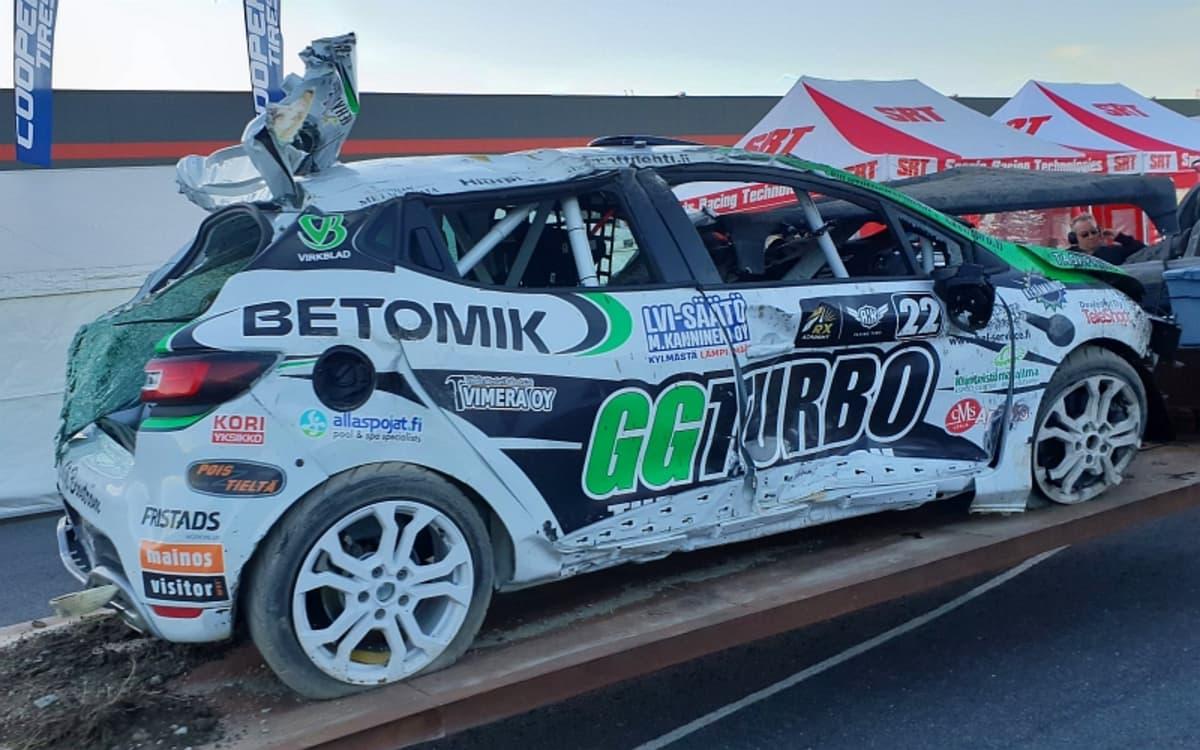 Sami-Matti Trogenin auto koki kovia Ruotsin Tierpissä.