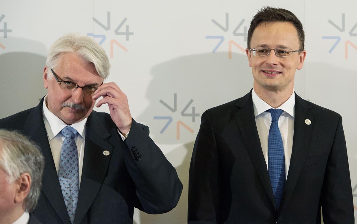 Puolan ja Unkarin ulkoministerit Witold Waszczykowski ja Peter Szijjarto Prahassa 4. toukokuuta.