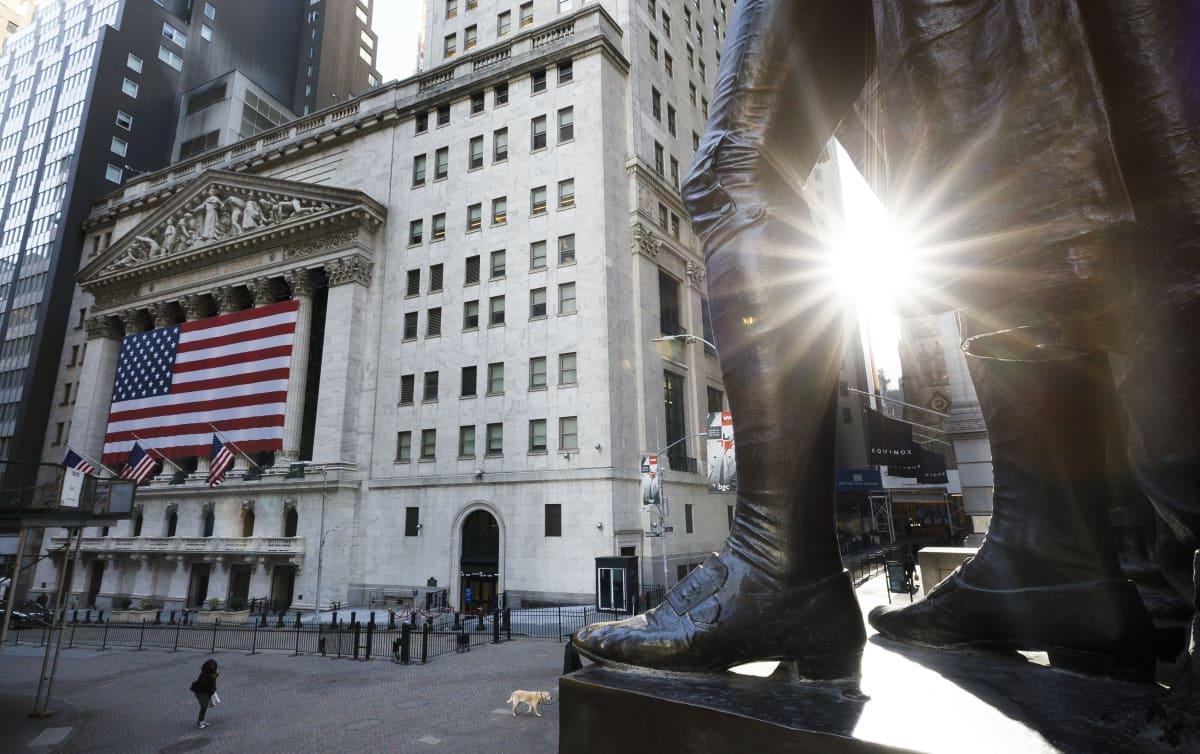 George Washingtonin patsas autioituneella Wall Streetillä New Yorkissa.