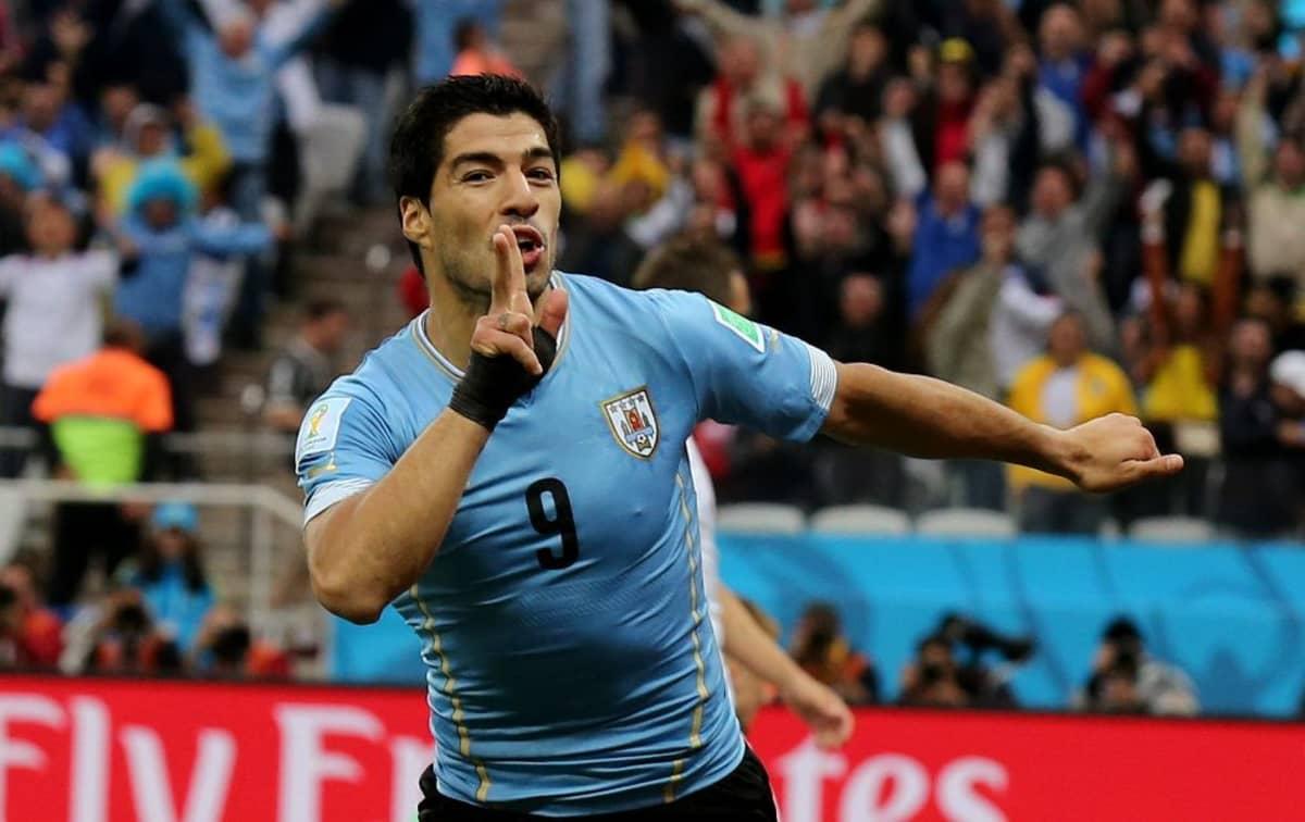 Uruguayn Luis Suárez tuulettaa.