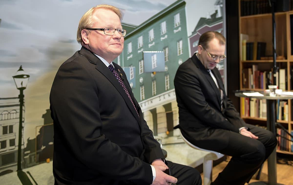 Peter Hultqvist ja Jussi Niinistö.