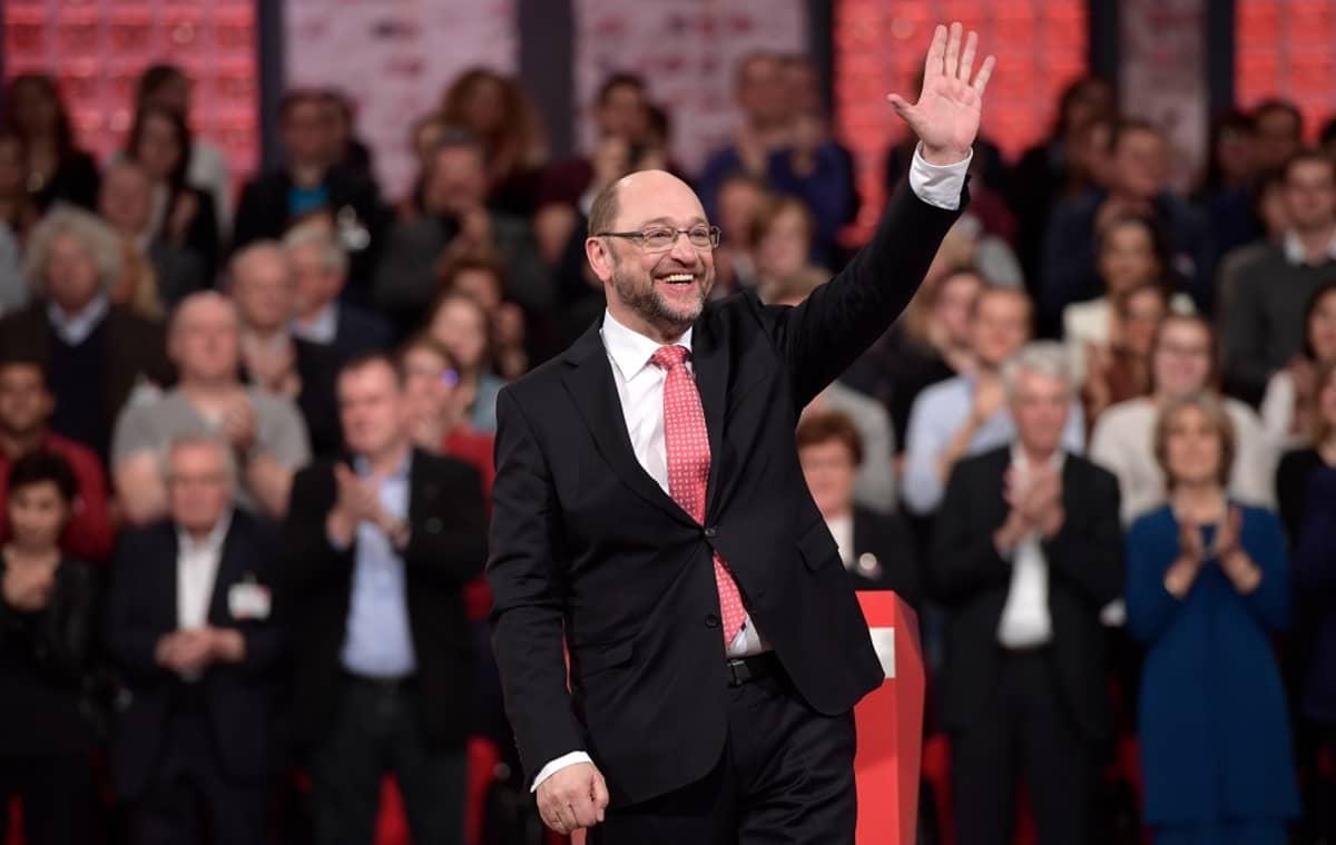 Martin Schulz puoluekokouksessa