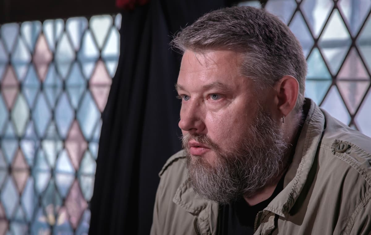 Virolainen kirjailija Indrek Hargla