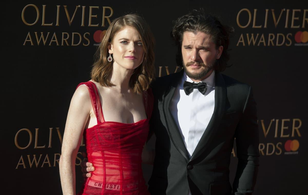 Näyttelijäpariskunta edusti punaisella matolla vuonna 2017.