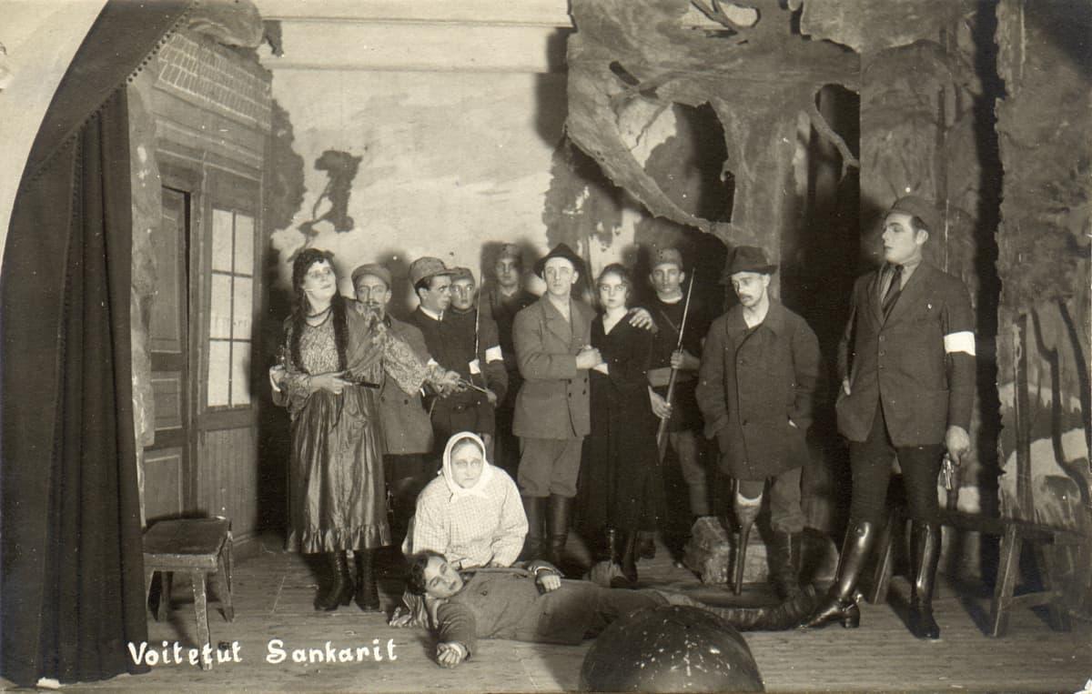 Voitetut sankarit, Helsingin Työväen Näyttämön esitys vuonna 1923.