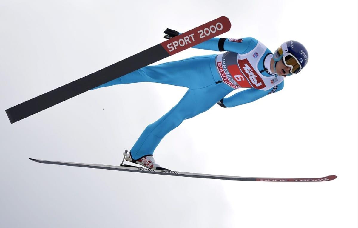 Lauri Asikainen kuvassa
