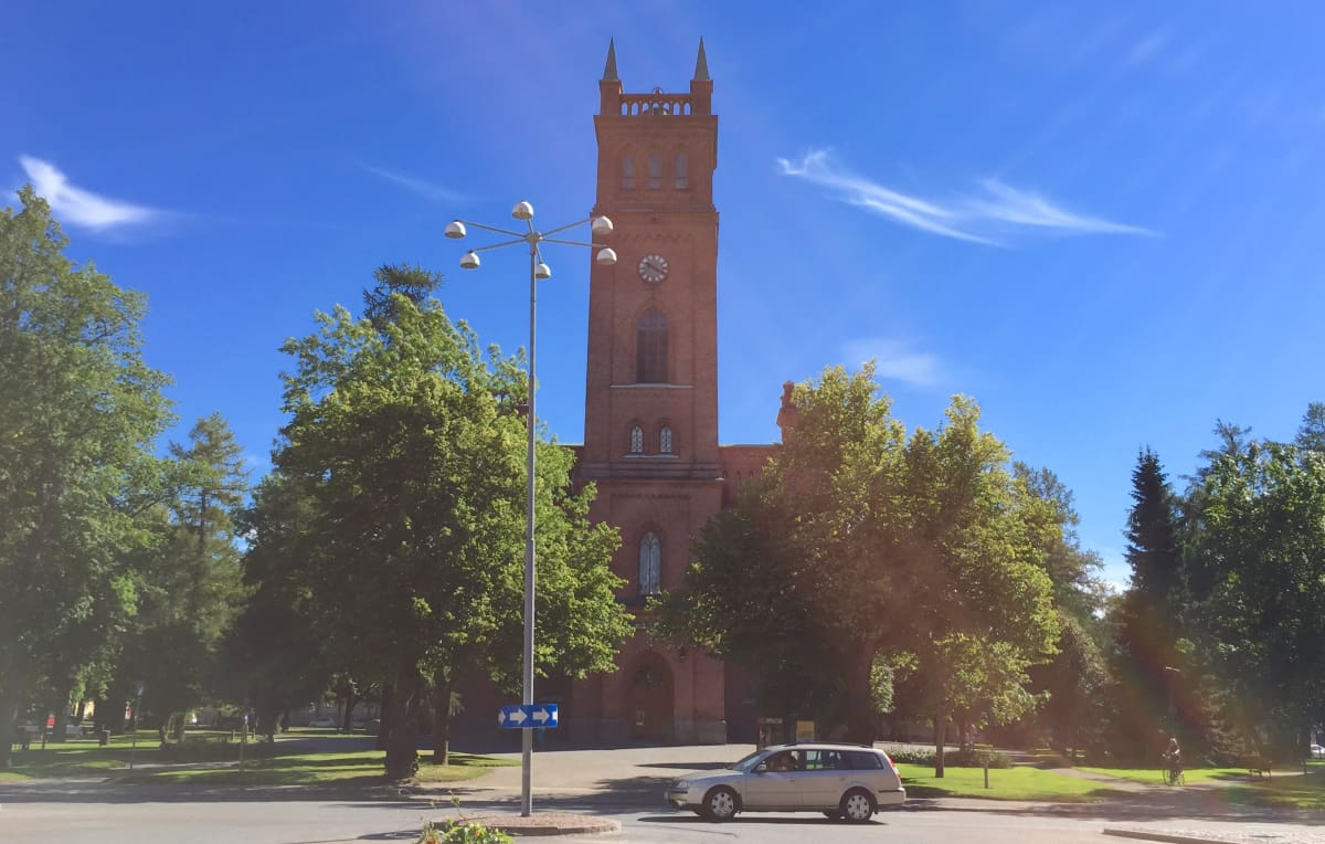 Vaasan kirkon torni.