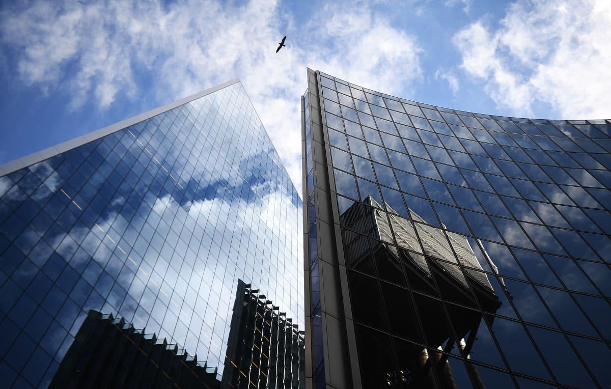 Toimistorakennuksia Lontoossa elokuussa 2020.