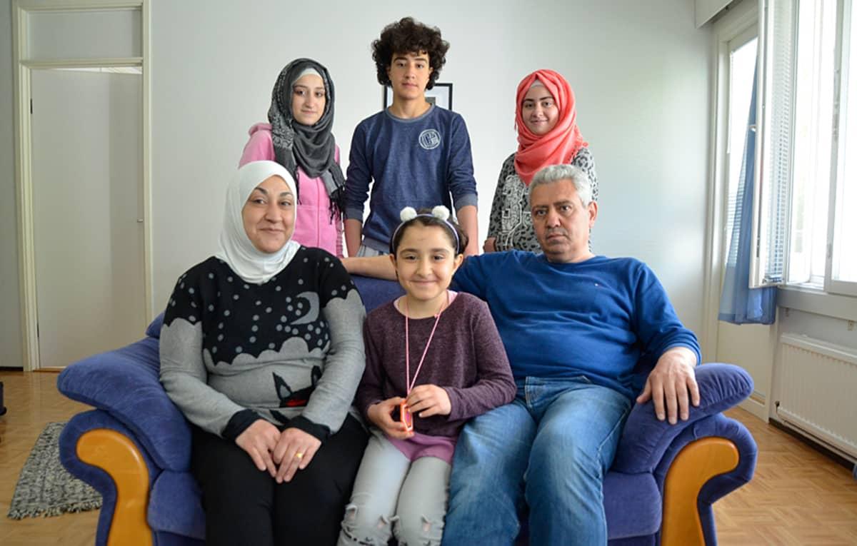 Asad Alkhatebin perhe kodissaan Rautjärvellä.