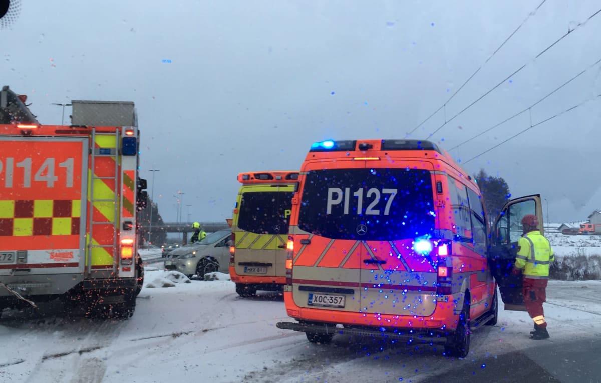 Tampereen ratikan ensimmäinen kolari.
