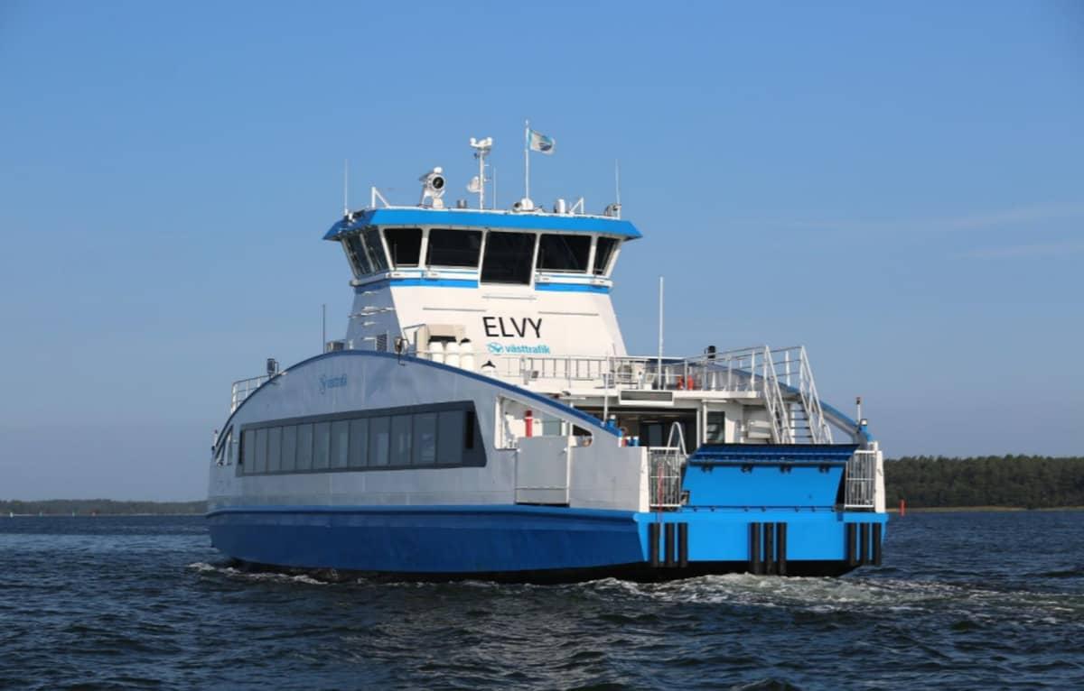 Götajoella operoiva matkustaja-alus Elvy.