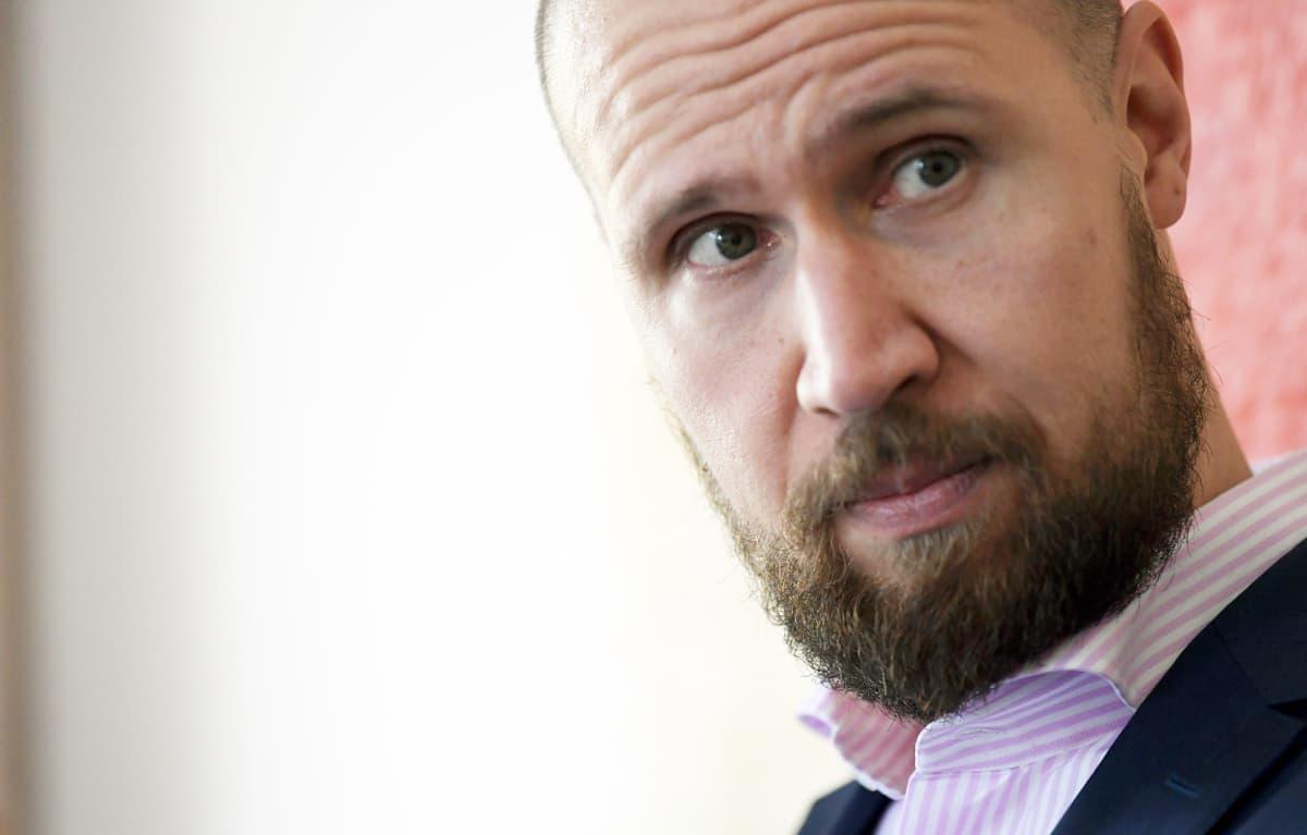 Vihreiden puheenjohtaja Touko Aalto politiikan toimittajien lounaalla Helsingissä 19. syyskuuta