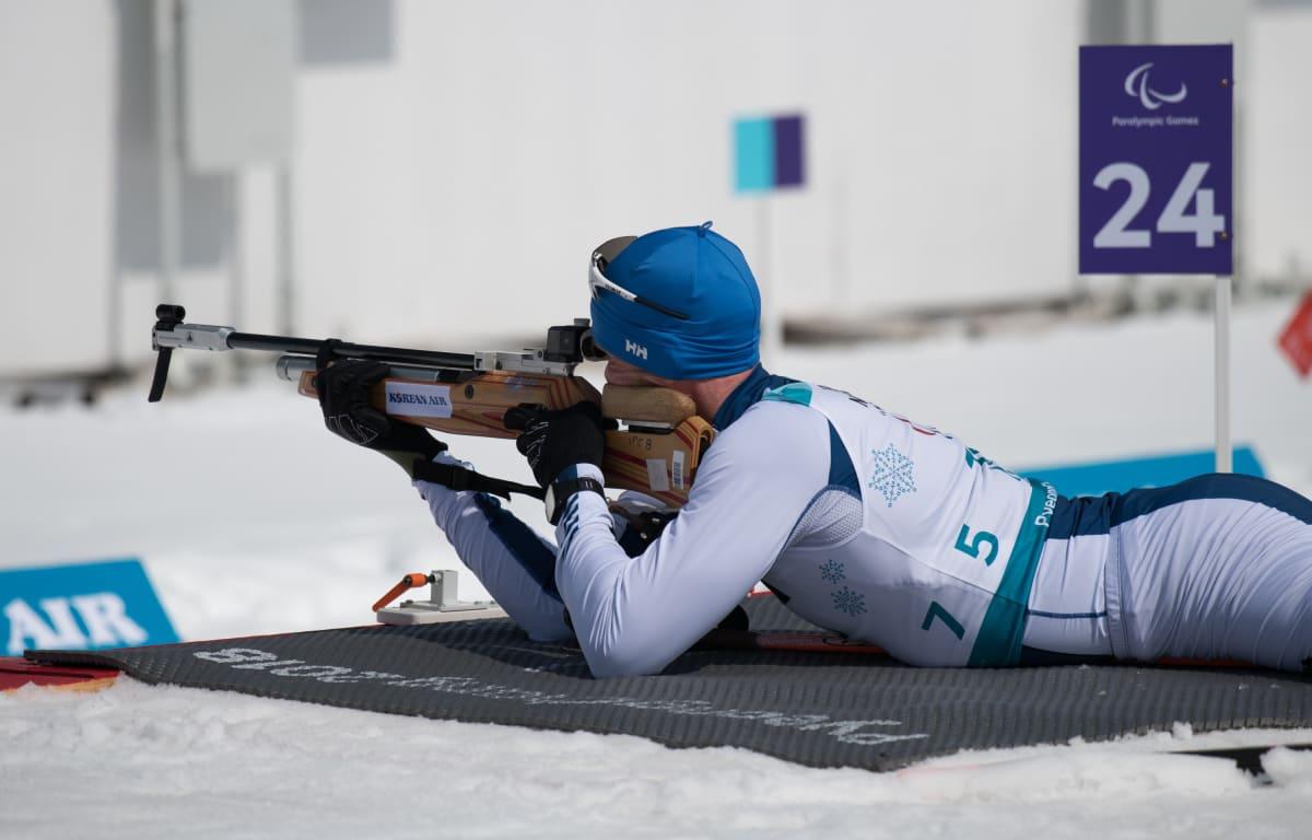Juha Härkönen ampumapaikalla