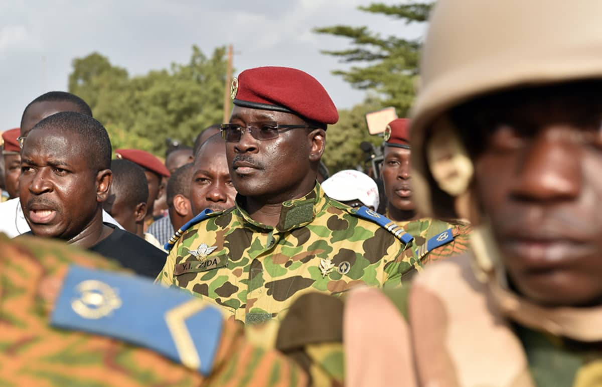 Everstiluutnantti Isaac Zida Ouagadougoussa 31. lokakuuta.