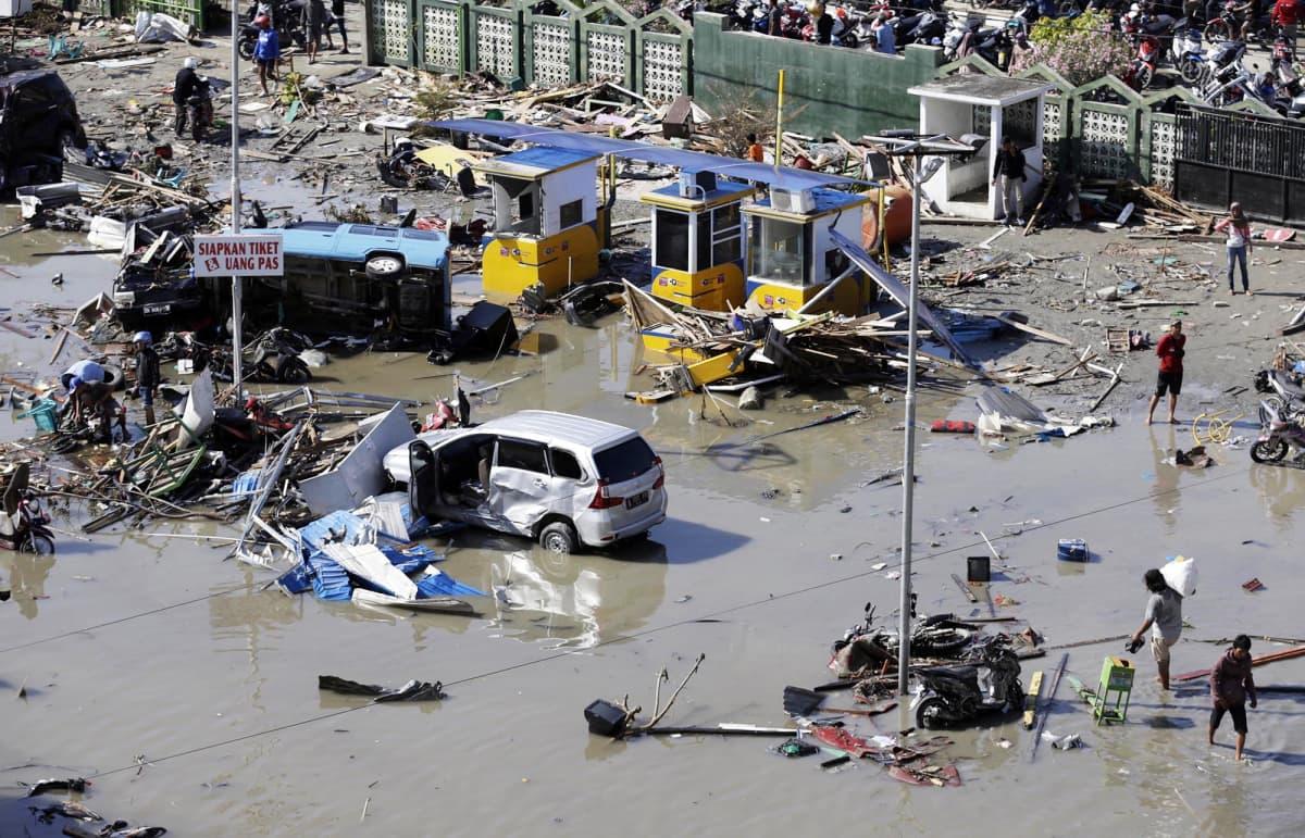 Tsunamin tuhoja Palussa.