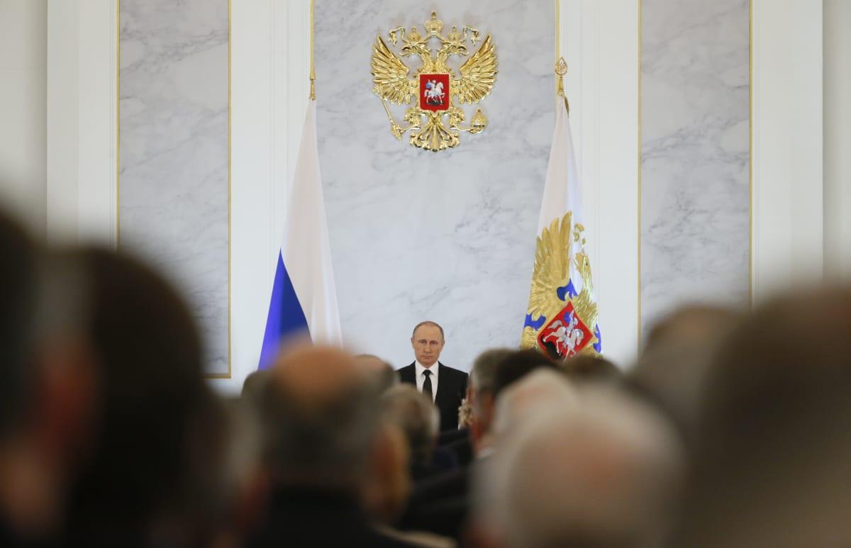 Presidentti Vladimir Putinin valtion tilaa käsittelevä puhe 2015