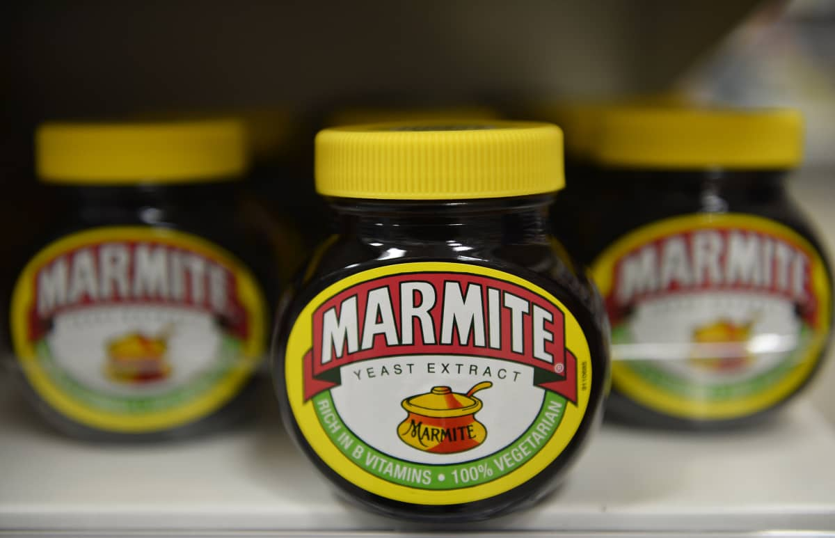 Marmite-levitettä myynnissä Tescon supermarketissa Lontoossa.