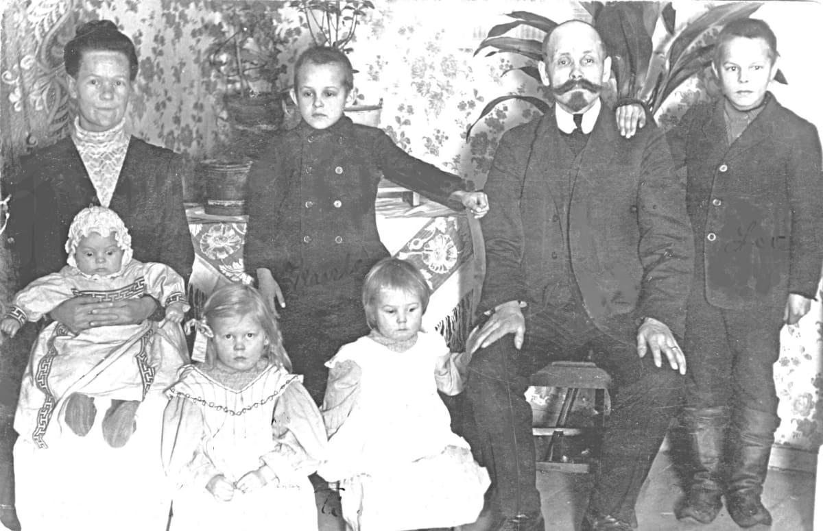 toivosen perhe