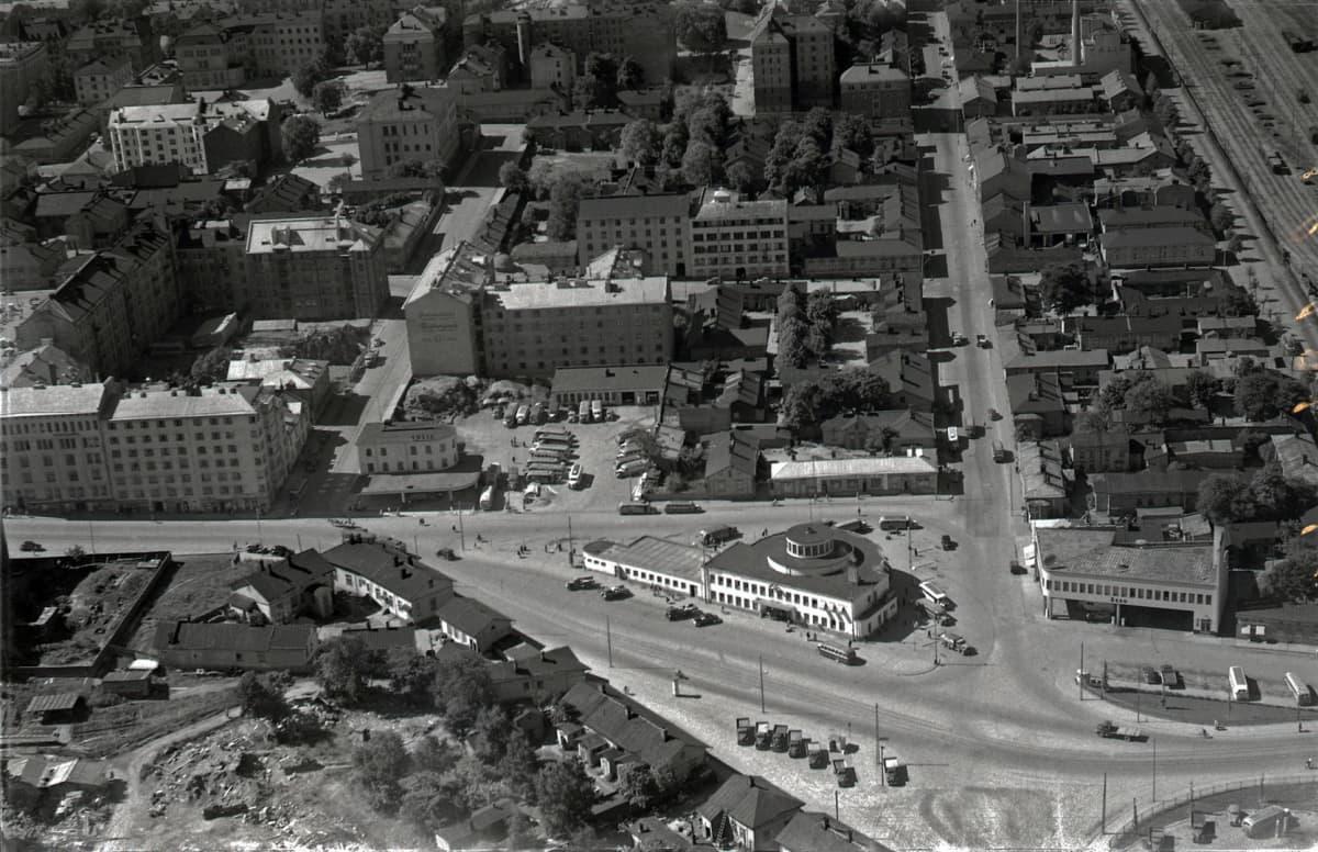 Turun linja-autoasema 1950-luvulla