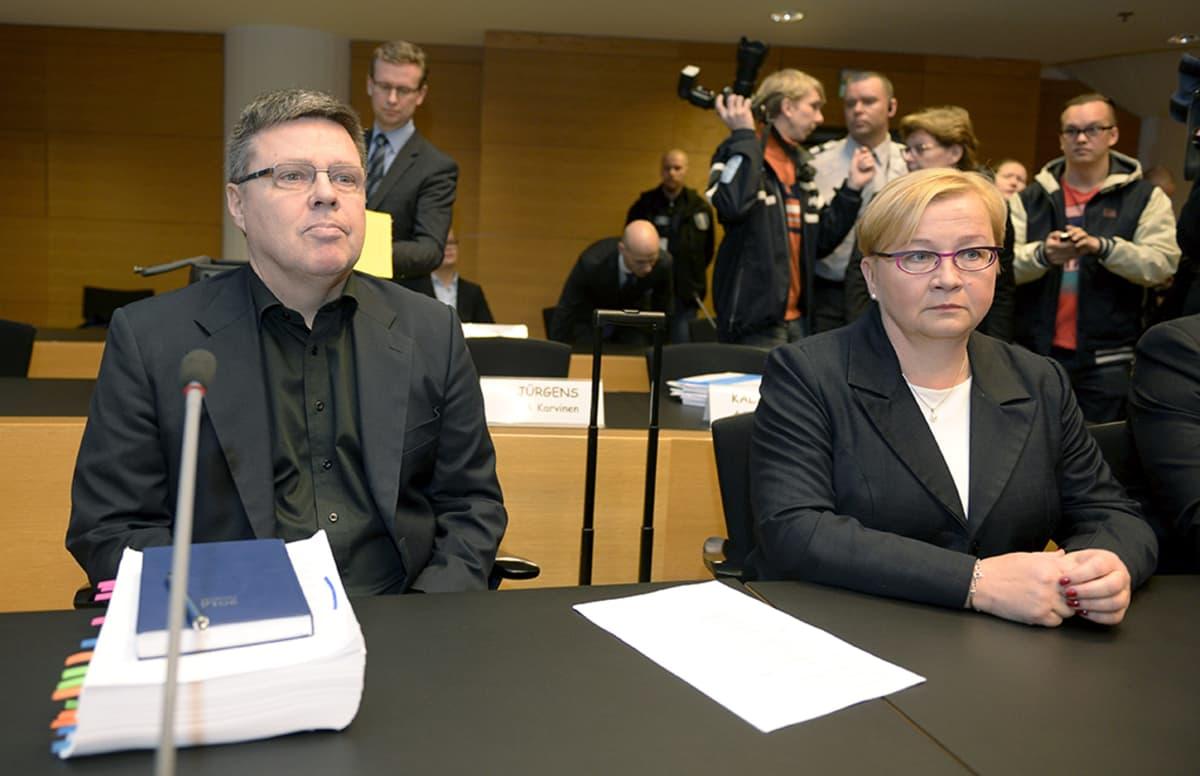 Jari Aarnio ja Riitta Leppiniemi.