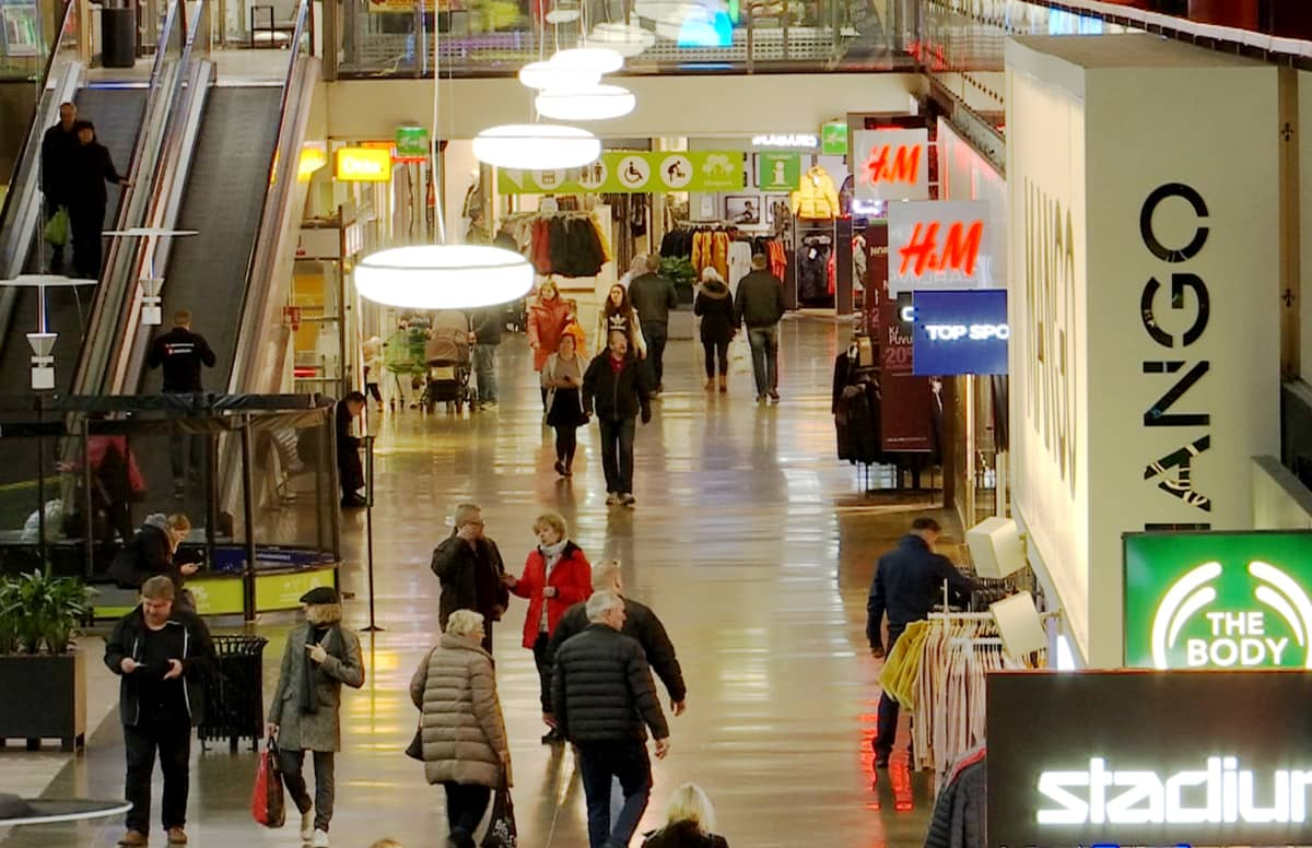 Lempäälän Ideaparkin käytävä.