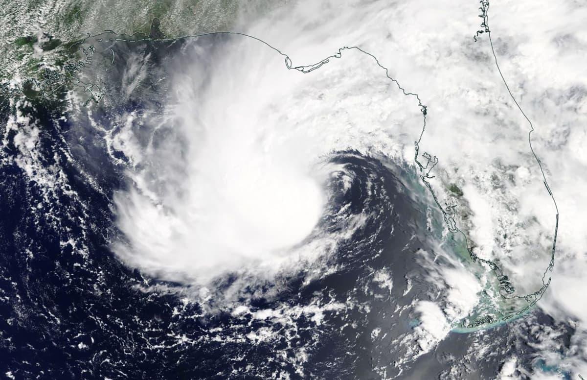 Nasan maanantaina  välittämä satelliittikuva Alberto-myrskystä.
