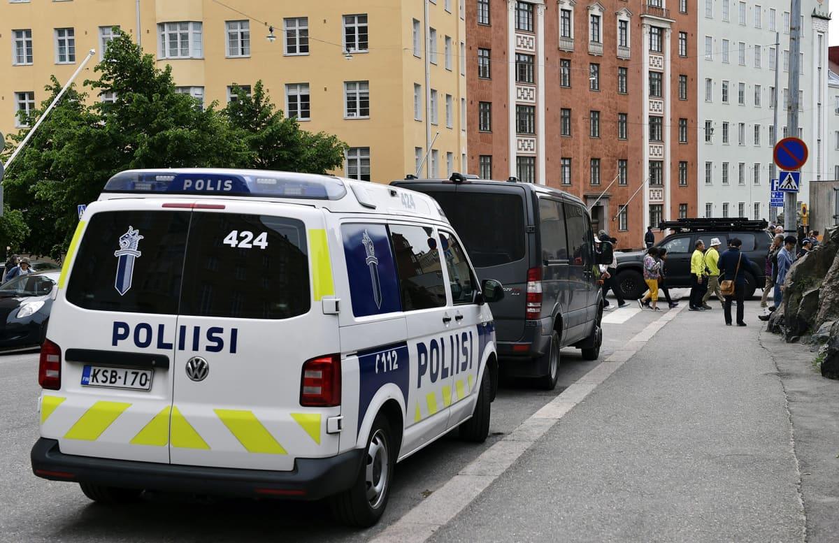 Poliisioperaatio Etu-Töölössä Helsingissä.