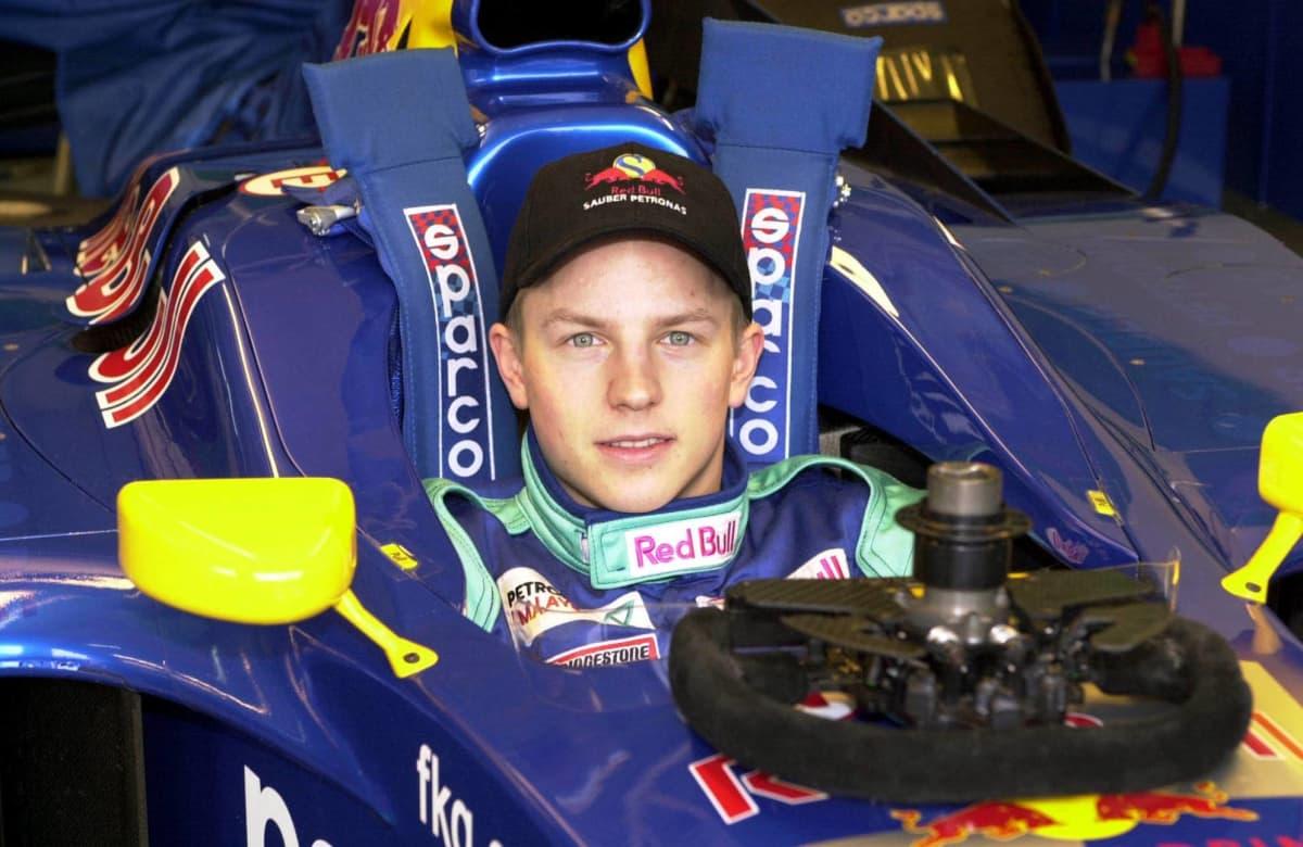 Kimi Räikkönen Sauberin ohjaamossa.