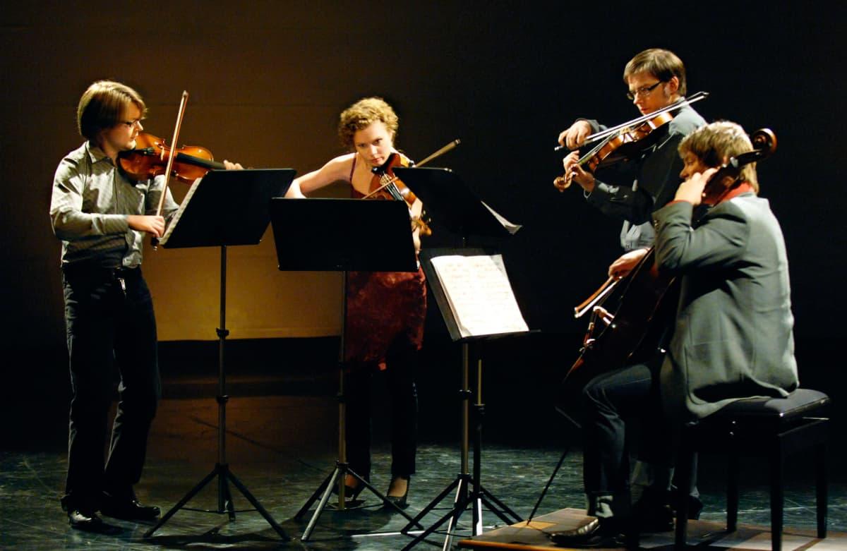 Meta4-jousikvartetti Yleisradion studiossa vuonna 2007.