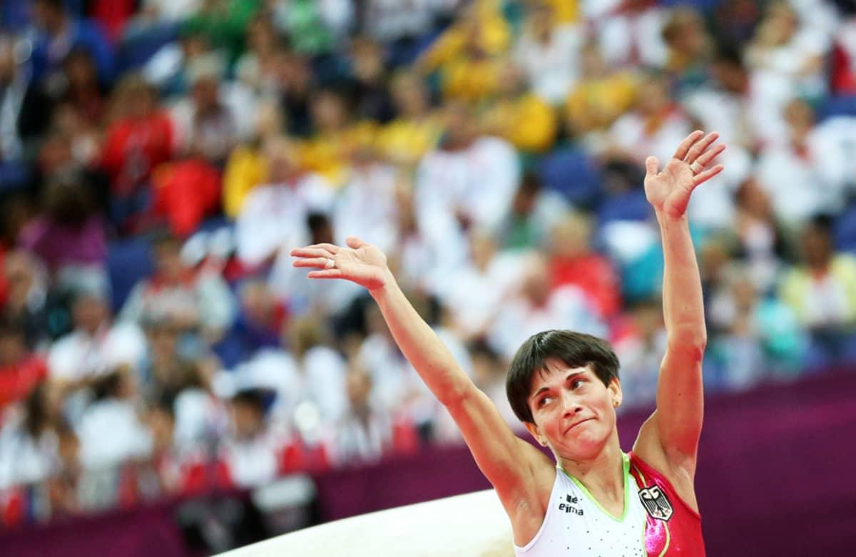 Oksana Tshusovitina edusti Lontoon olympialaisissa Saksaa.