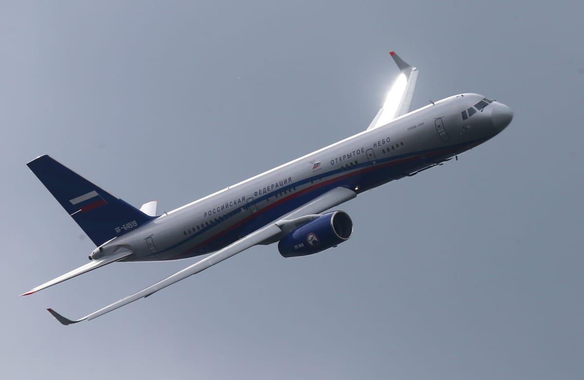 Tupolev 214 ON, jota Venäjä on käyttänyt Open Skies -lennoilla.