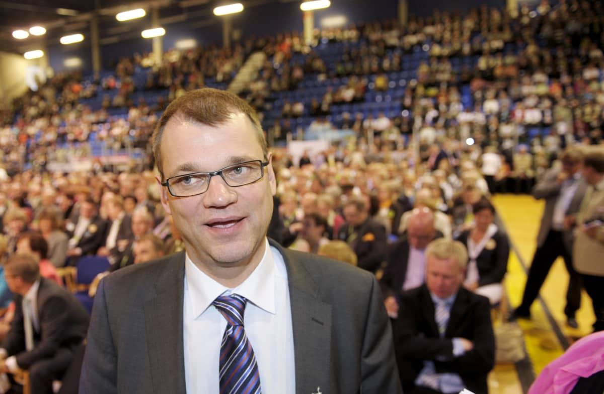 Uusi puheenjohtaja Juha Sipilä Keskustan puoluekokouksessa Rovaniemellä 9. kesäkuuta 2012