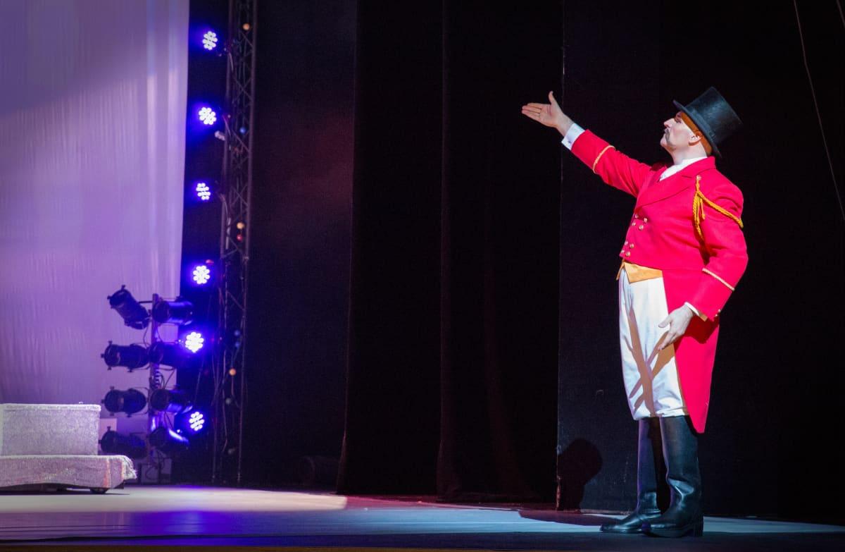 CircOperan tirehtööri on tenori Mika Pohjonen.