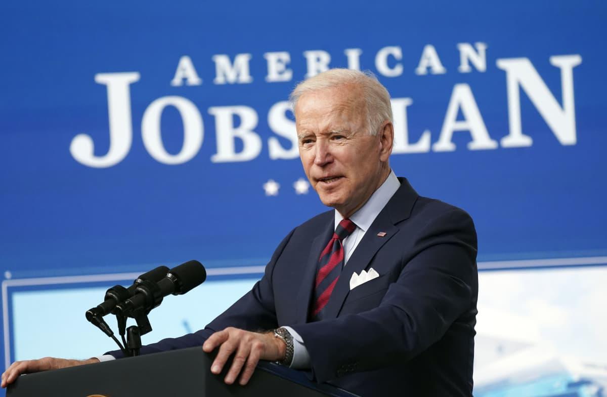 Presidentti Joe Biden esitteli huhtikuun alussa infrastruktuurihankettaan, johon kerätään 2,3 biljoonaa dollaria yritysveroja kiristämällä.