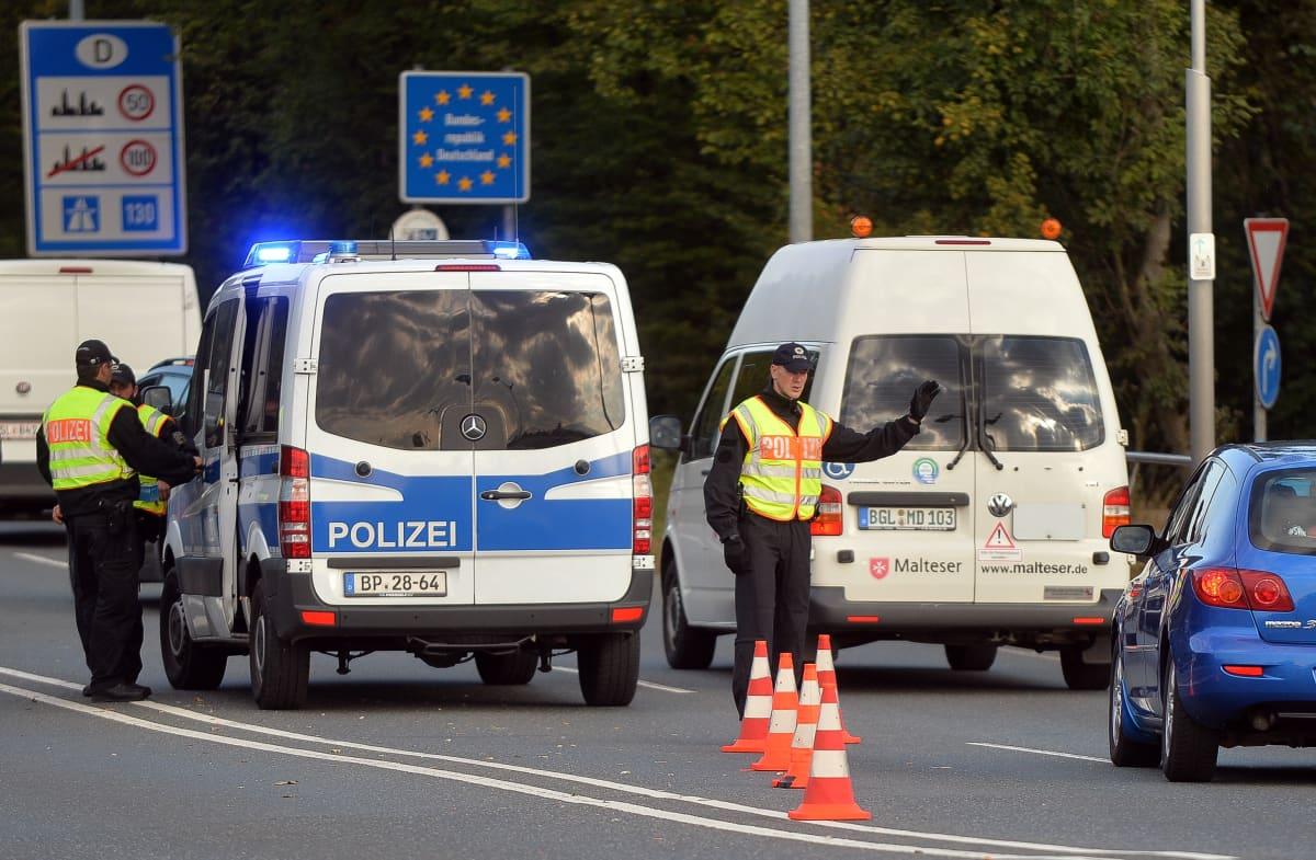 Rajatarkastuksia Saksan ja Itävallan rajalla