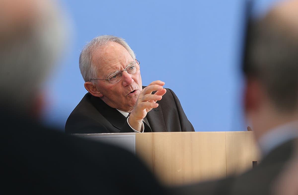 Wolfgang Schäuble kuvattuna lehdistötilaisuudessa Berliinissä 12. maaliskuuta 2014.