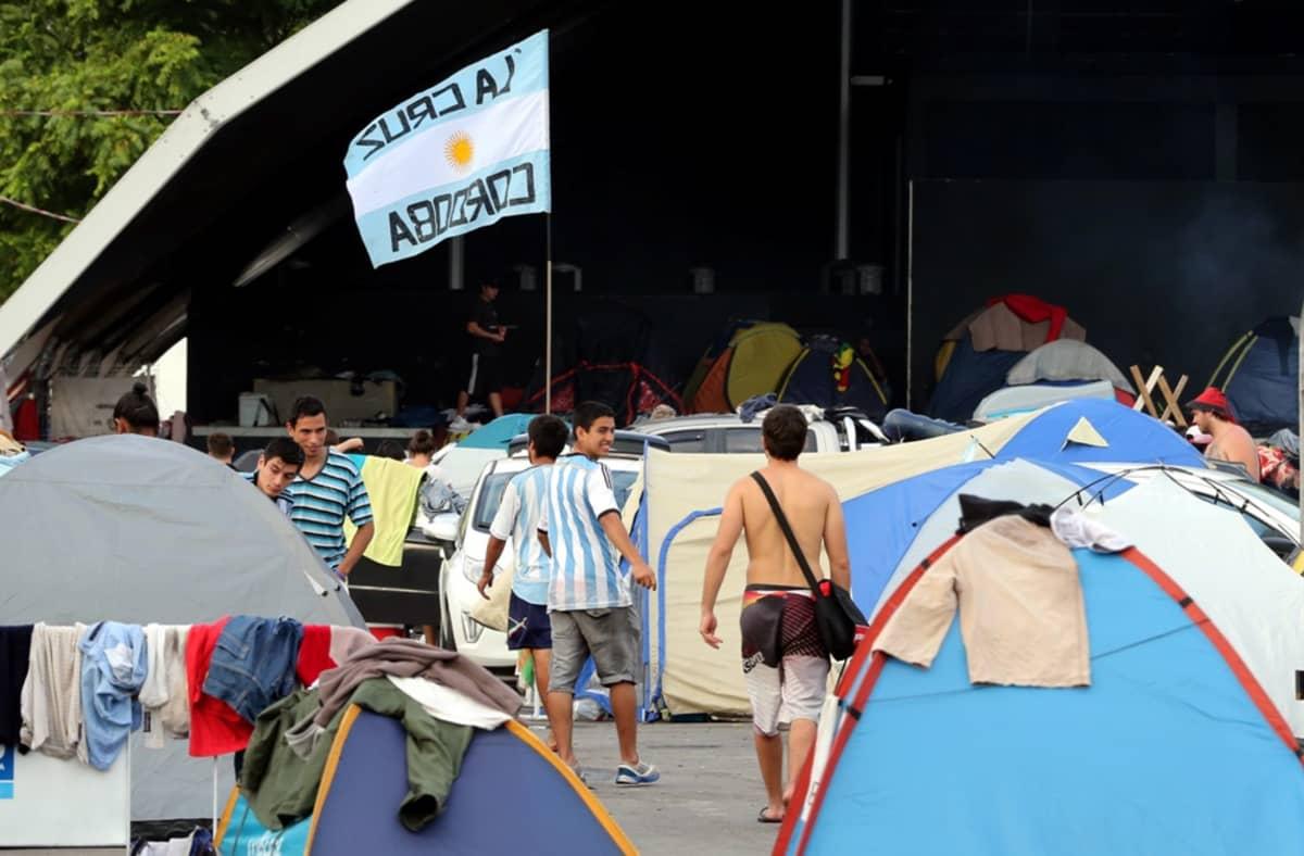 Argentiinan fanien leiri Rio de Janeirossa.