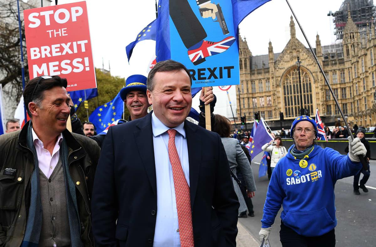 Vakuutusbisneksellä vaurastunut Arron Banks on rahoittanut vuosia brexit-kampanjoita. Kuva maaliskuulta 2019.