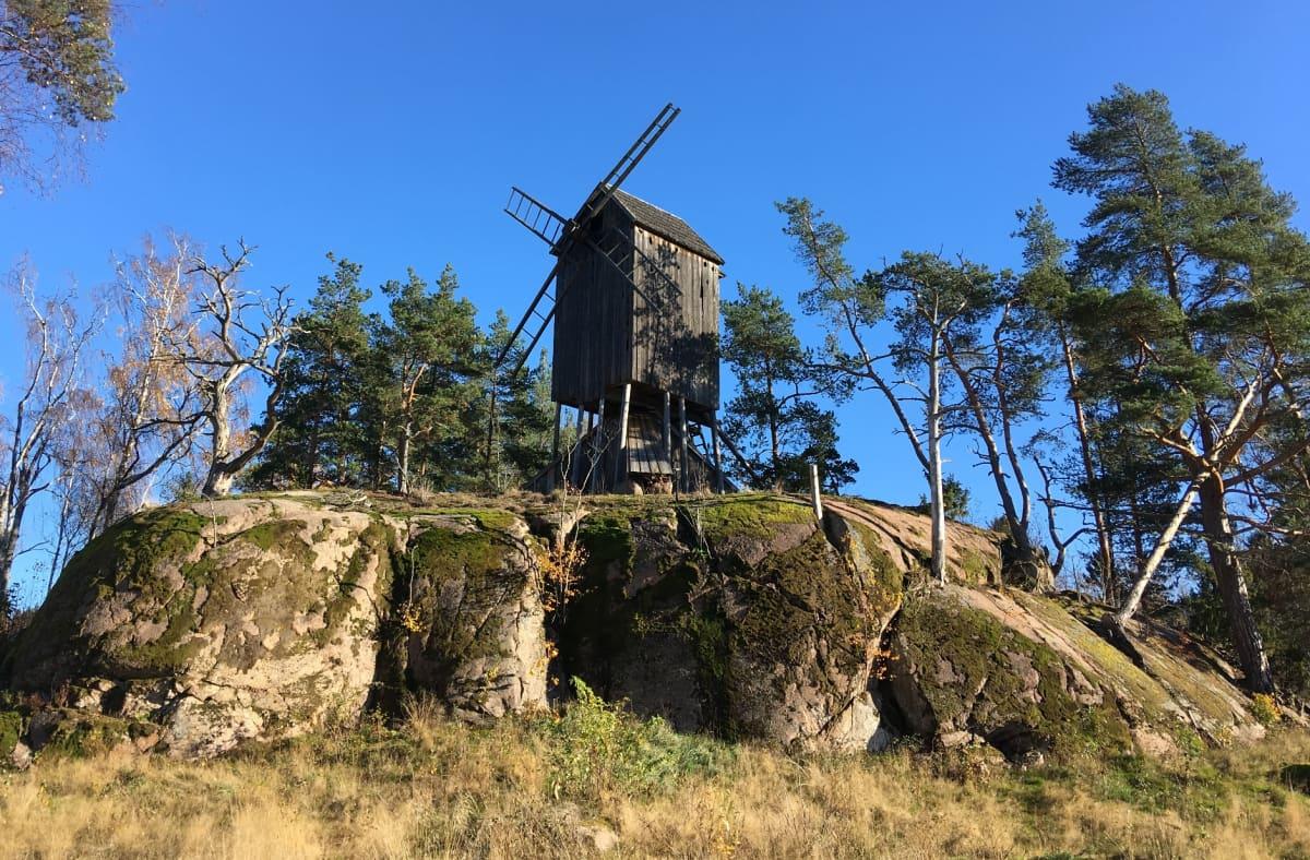 Gamla Hinkabölen tuulimylly.