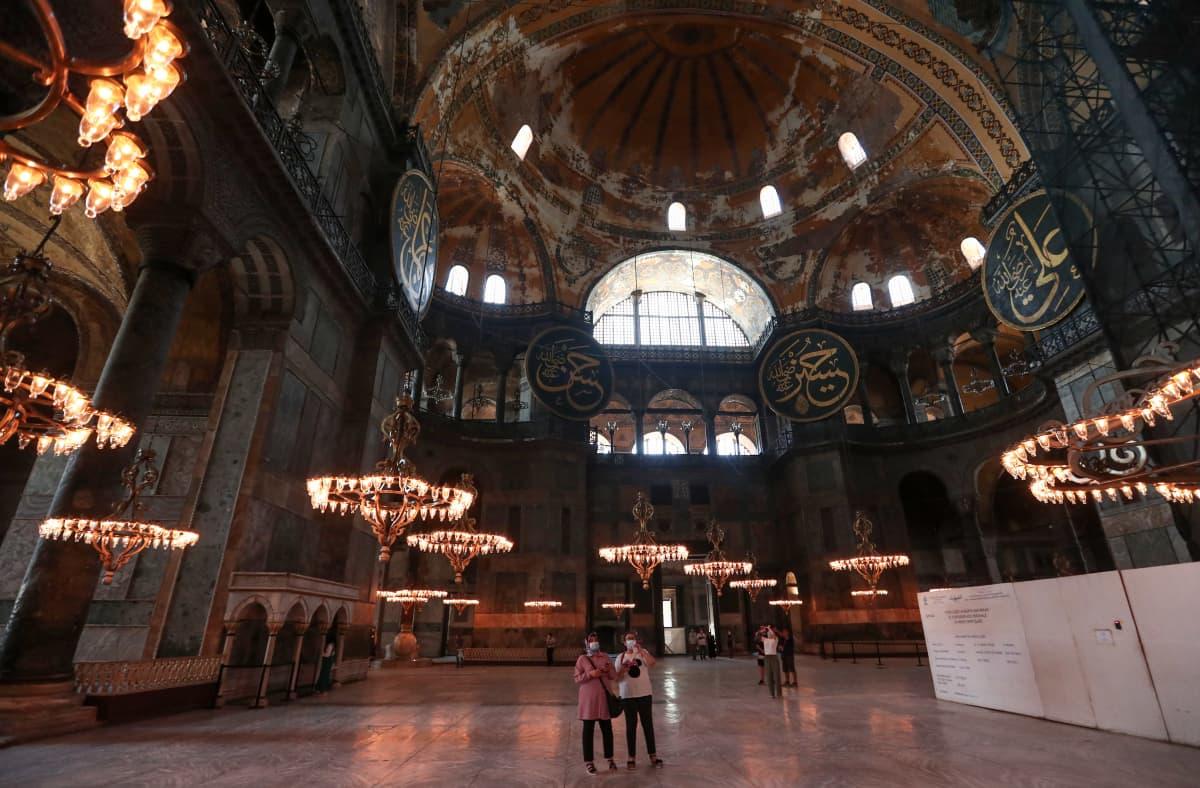 Hagia Sofian sisätilat.