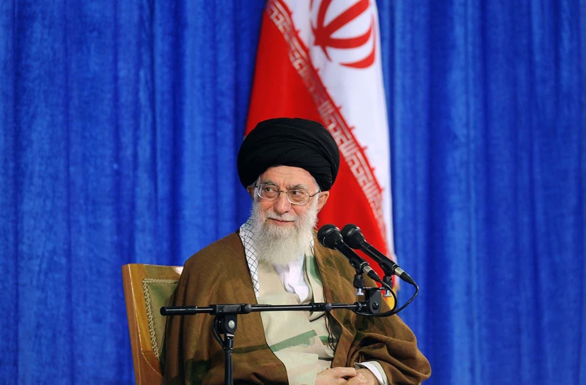 Ajatolla Ali Khamenei on Iranin korkein johtaja.