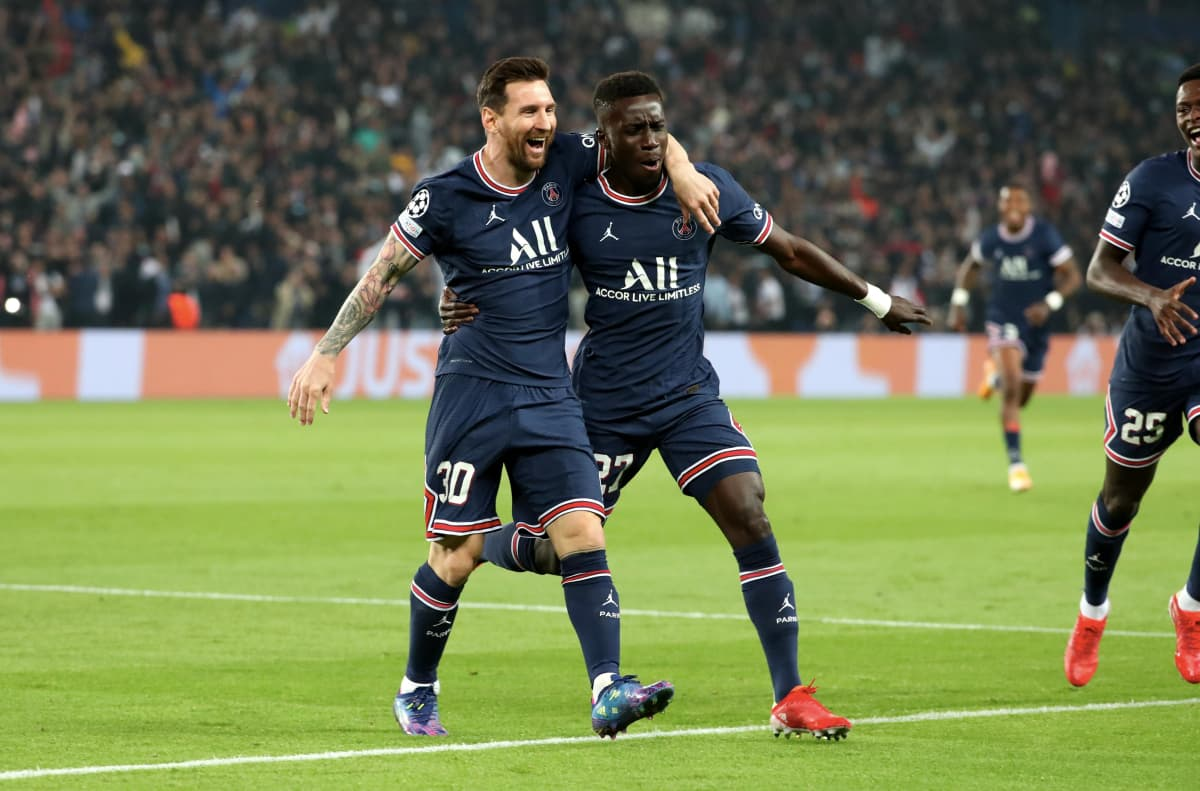 PSG:n maalintekijät Idrissa Gueye ja Lionel Messi