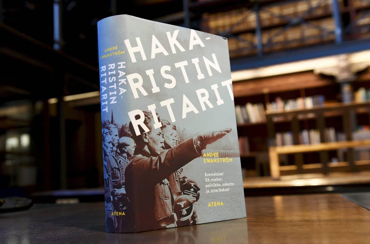 Andre Swanströmin teos Hakaristin ritarit.