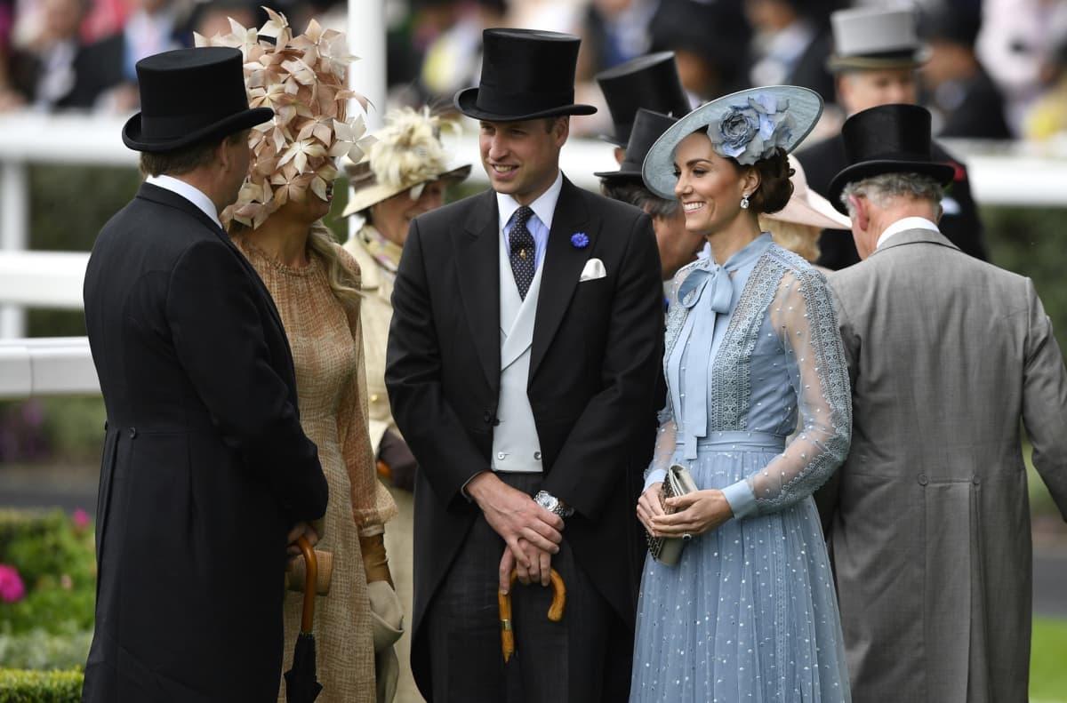 Prinssi William, herttuatar Catherine, kuningas Willem-Alexander ja kuningatar Maxima.