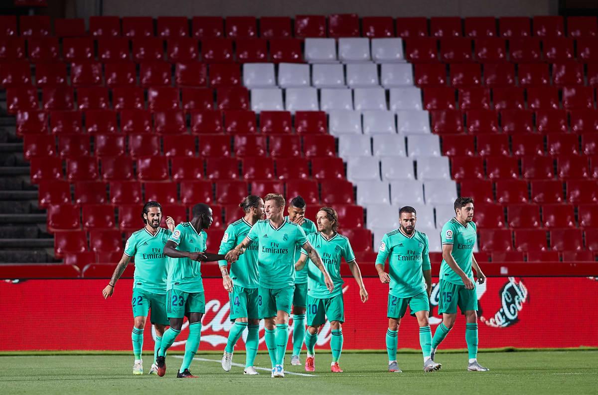 Real Madrid juhlii Ferland Mendyn maalia.