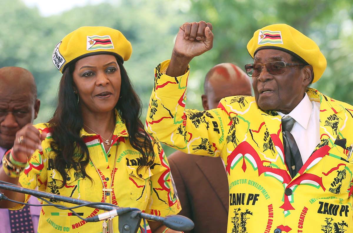 Grace ja Robert Mugabe Zanu PF -puolueen tapahtumassa marraskuussa 2017.