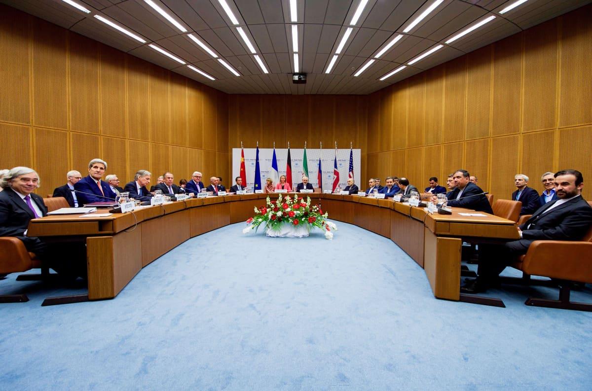 Näkymä YK:n toimistoon Wienissä, Itävallassa, jossa Iranin edustajat sekä kuuden suurvallan (USA, Iso-Britannia, Venäjä, Saksa, RAnska, Kiina) ulkoministerit tapasivat ydinsopimuksen merkeissä 14. heinäkuuta.