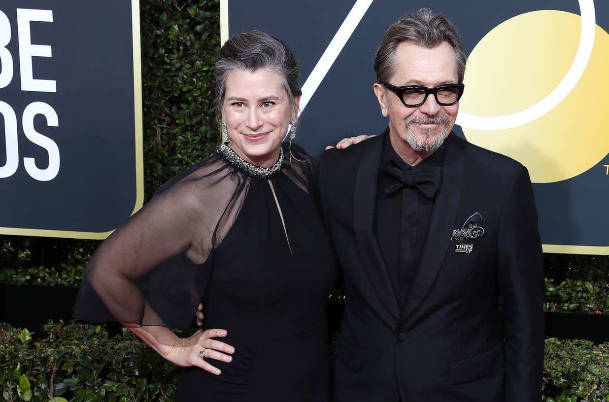Gisele Schmidt ja Gary Oldman saapuivat Golden Globe -gaalaan.
