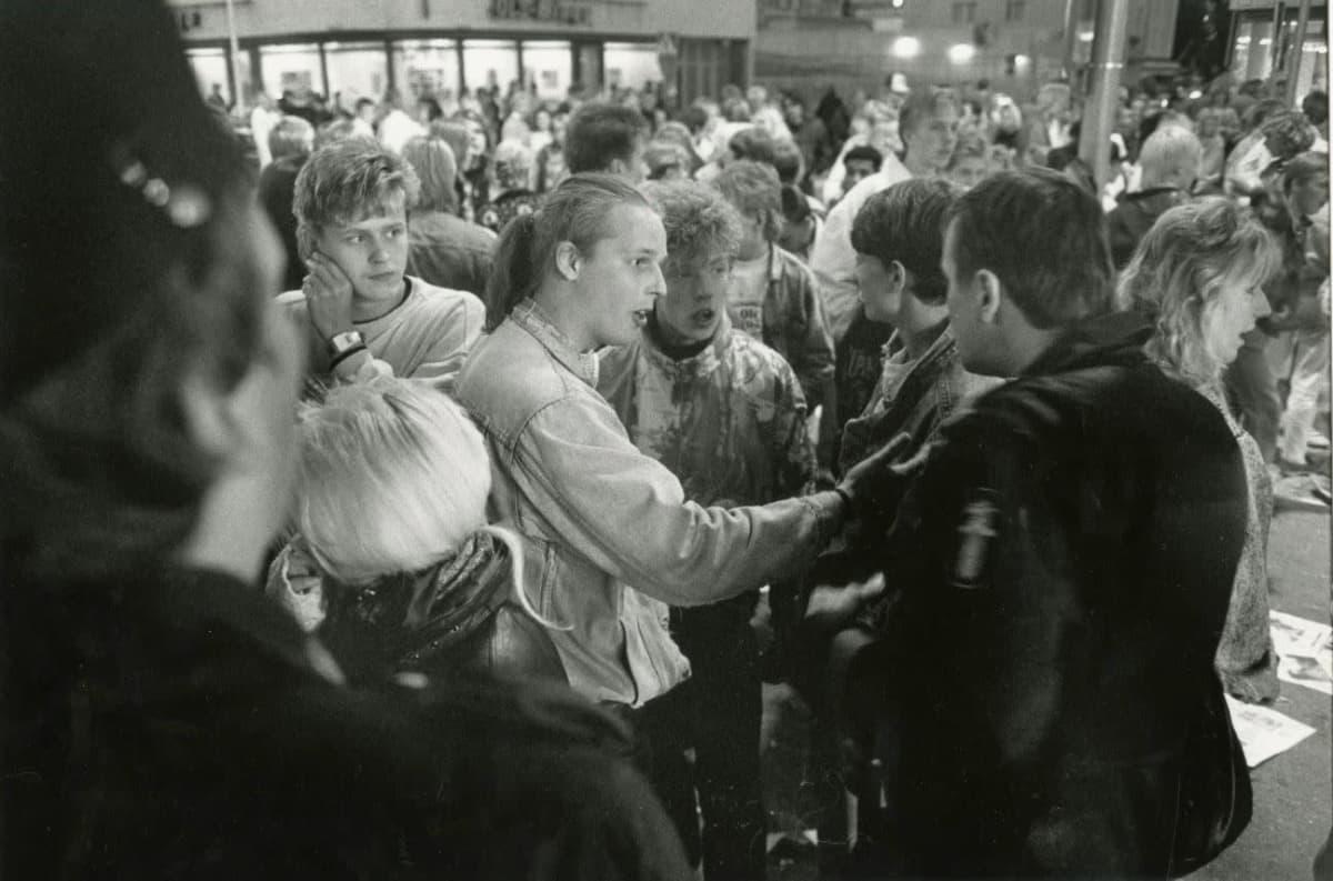 Oulun kristalliyöksi nimetty mellakka 11.8.1990