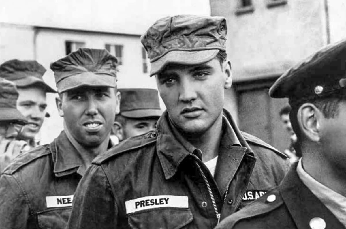 Elvis armeijan asussa